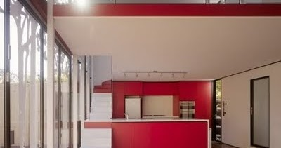 Dise o de cocinas con escalera for Escalera de cocina