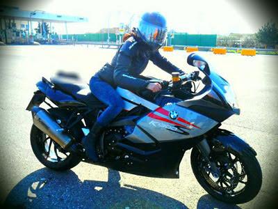 female rider motor-2012