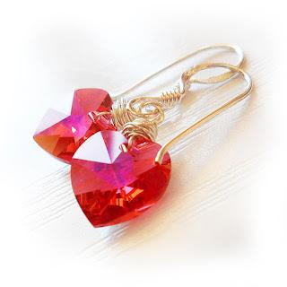 http://dicopebisuteria.com/shop/product-category/sparkly-jewels/