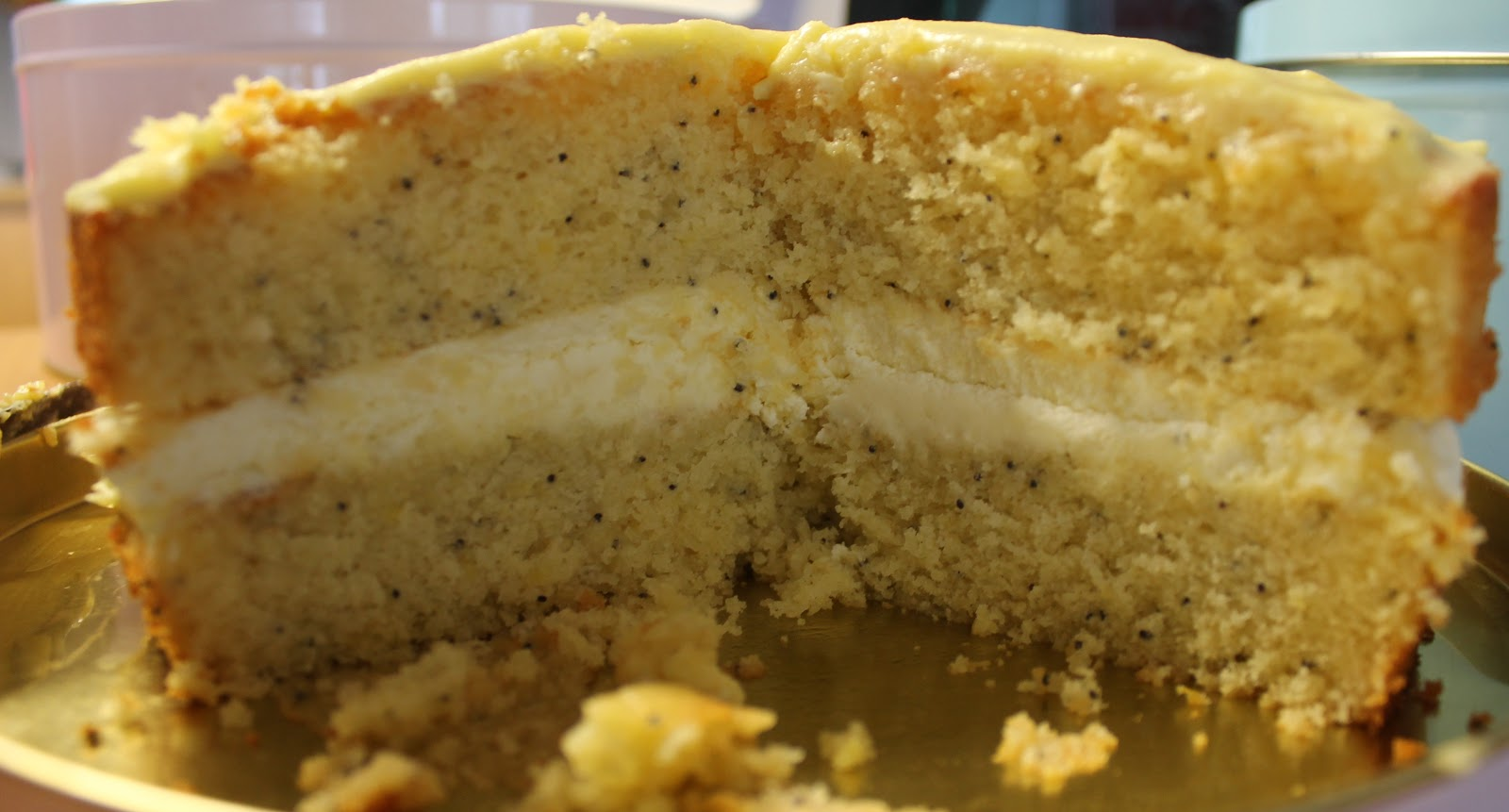 Lemon and poppyseed cake with lemon mascarpone icing