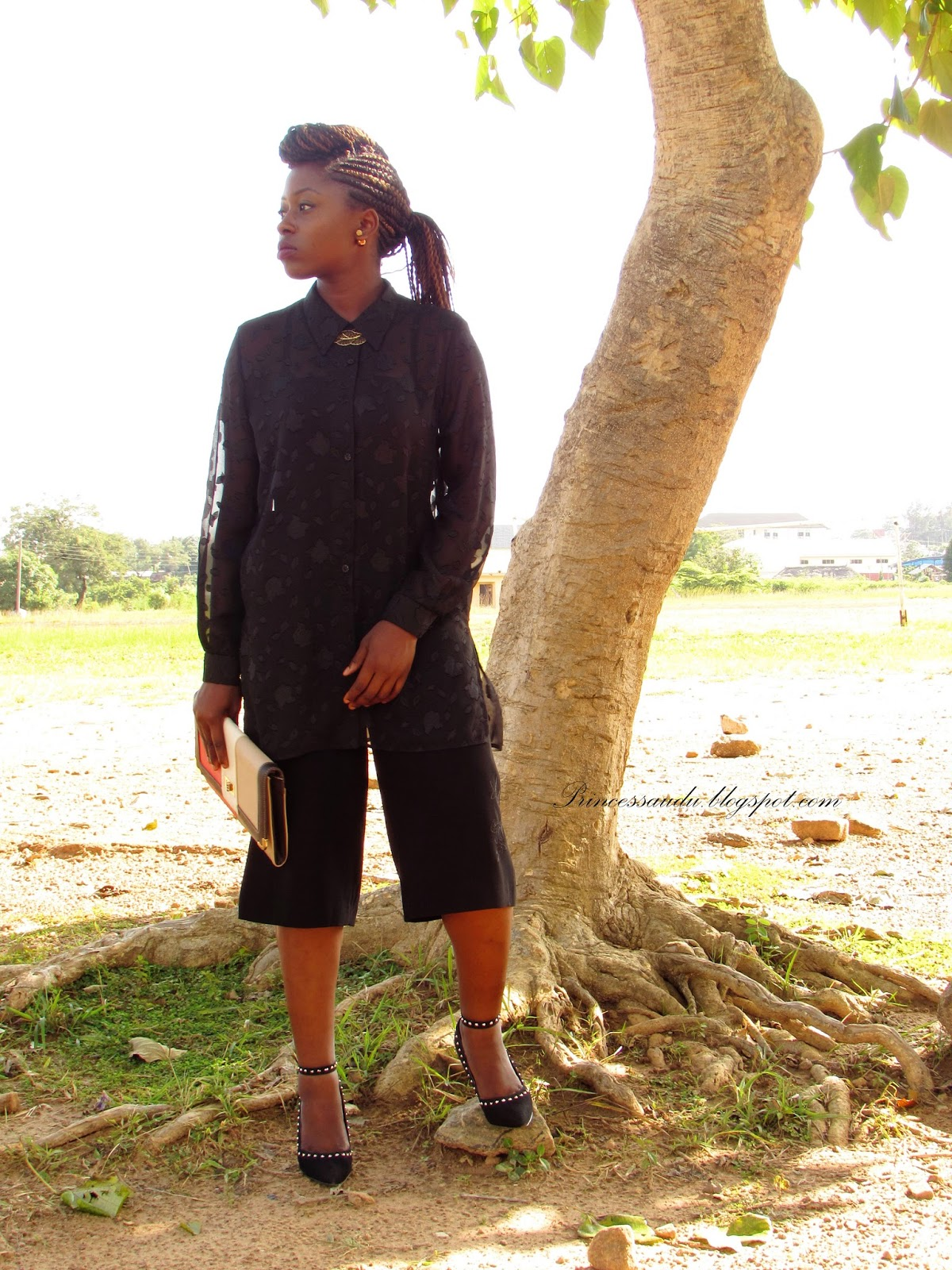 culottes, how to style, all black, monochrome, sheer