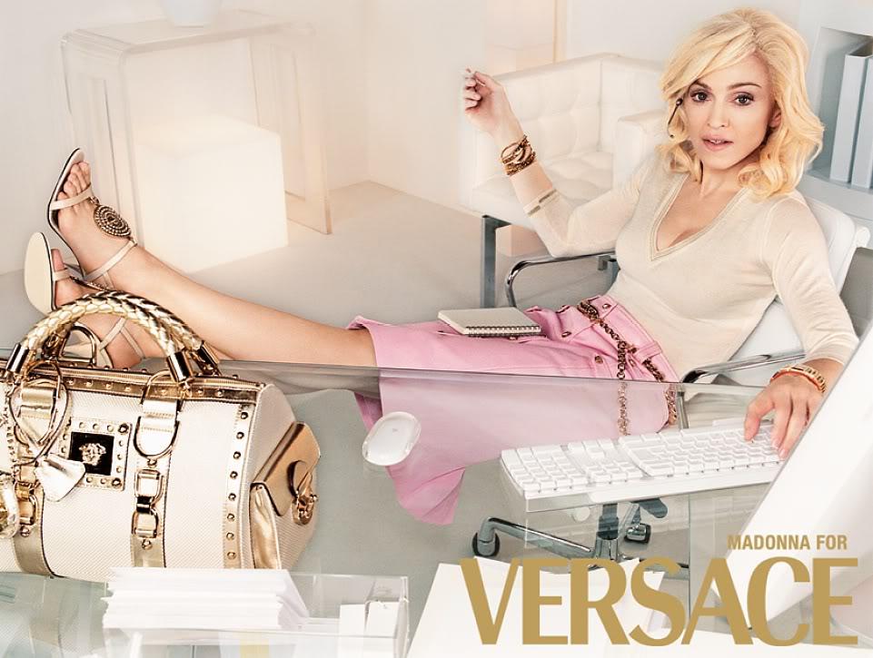 Thời trang Versace ấn tượng