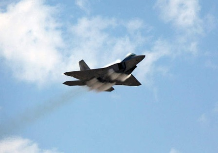 Pesawat tempur siluman F-22 Raptor