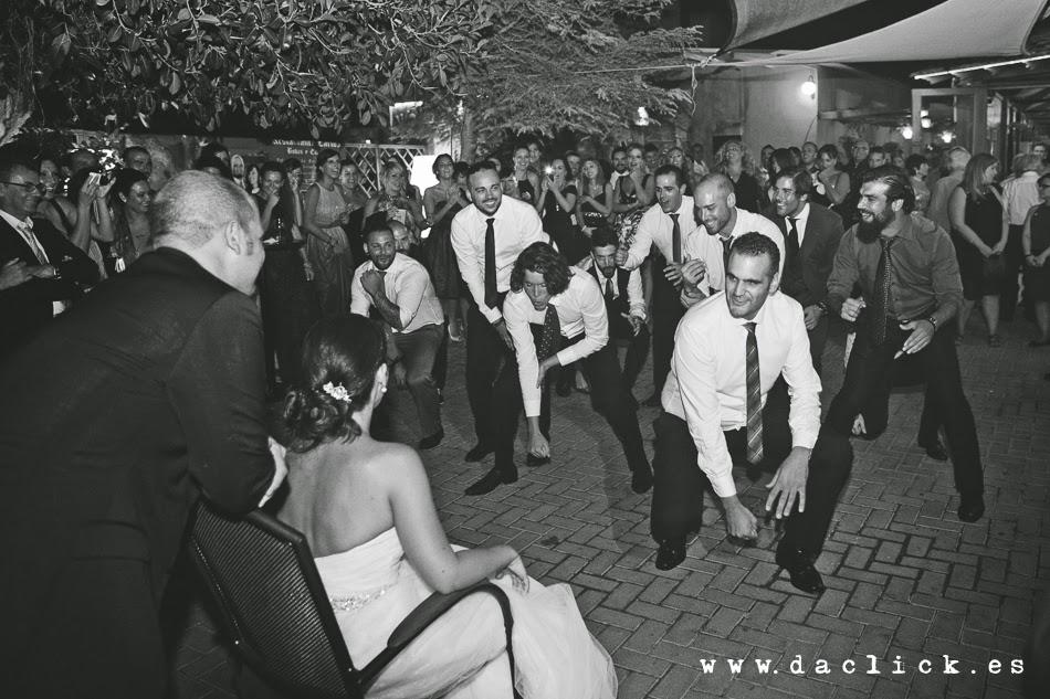 coreografía de amigos en la boda