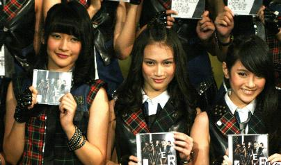 isi album jkt48 river