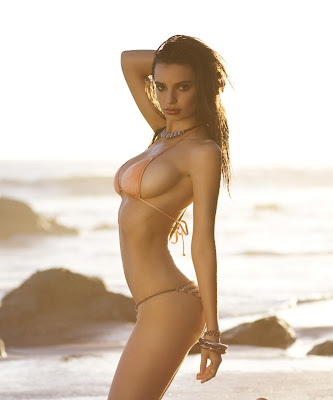 Emily Ratajkowski show oh her sexy body for Surfline bikini photoshoot