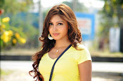 Komal Jha unseen photos gallery-thumbnail-8