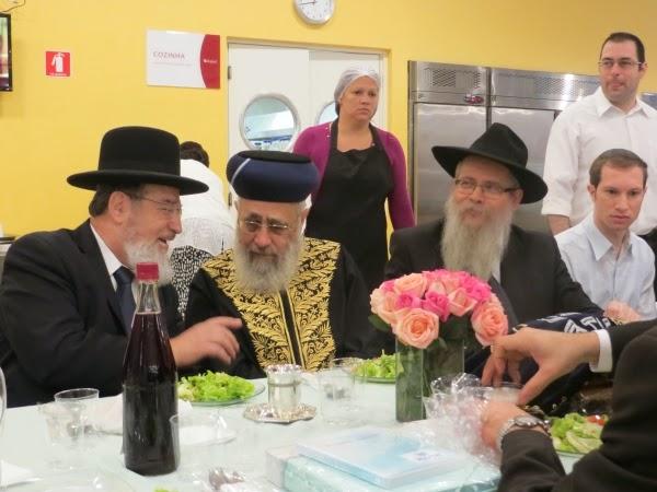 Yitzhak Yosef, rabino-chefe sefaradita de Israel, visita o Ten Yad em SP