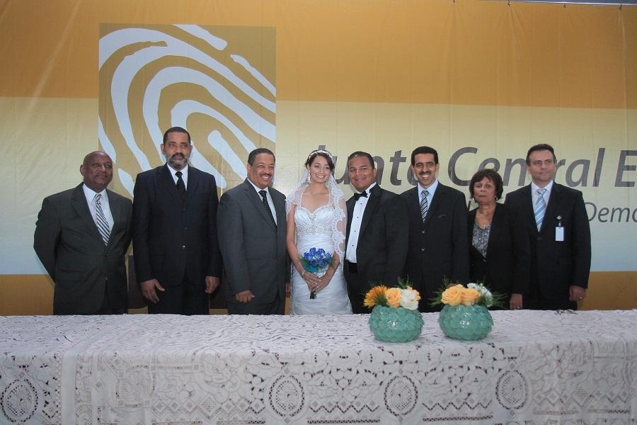 Matrimonio Catolico Y Testigo De Jehova : Noticias de rep dom y el mundo jce realiza boda