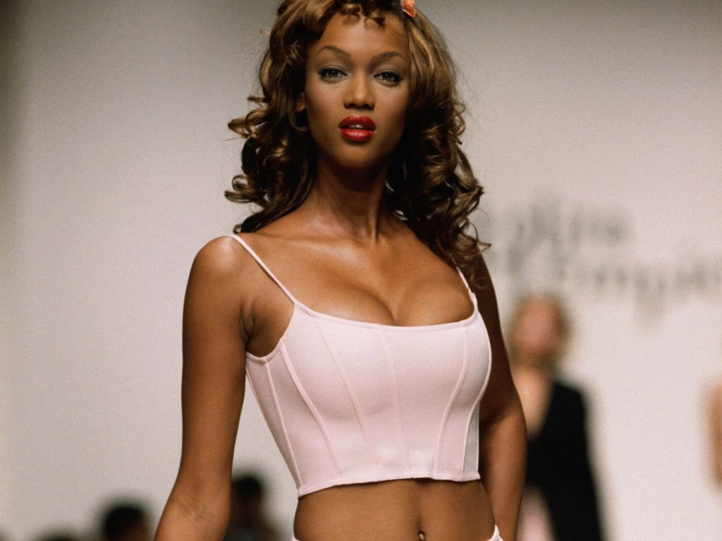 Style Tyra Banks Hot Looks