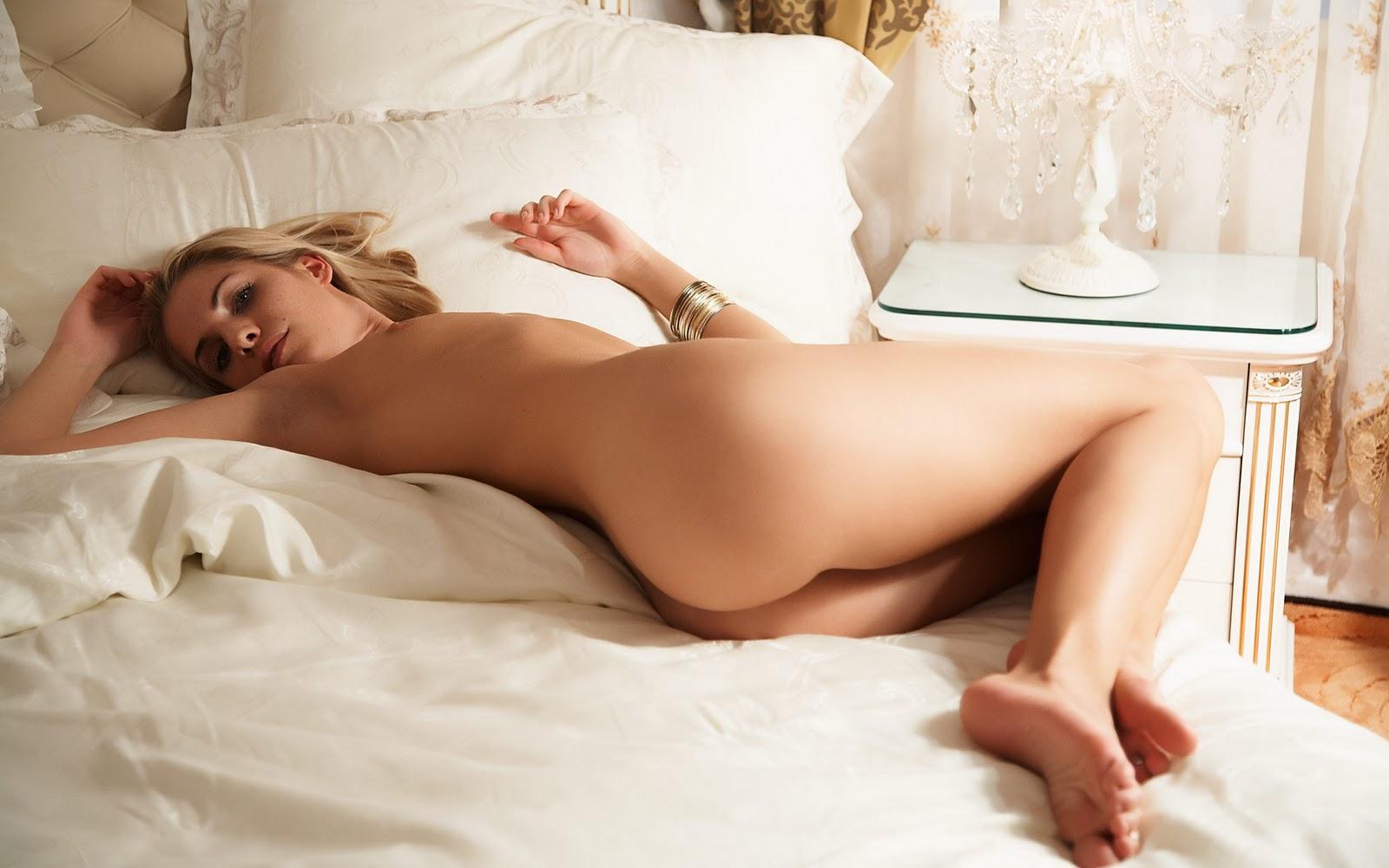 Erotic%252BWallpapers%252B %252BFreeHD.Blogspot.Com%252B%252B%25252528377%25252529%252B.%252B sexy tattooed blonde babe