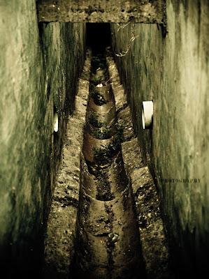 Cerita Lawak Misteri Bau Longkang