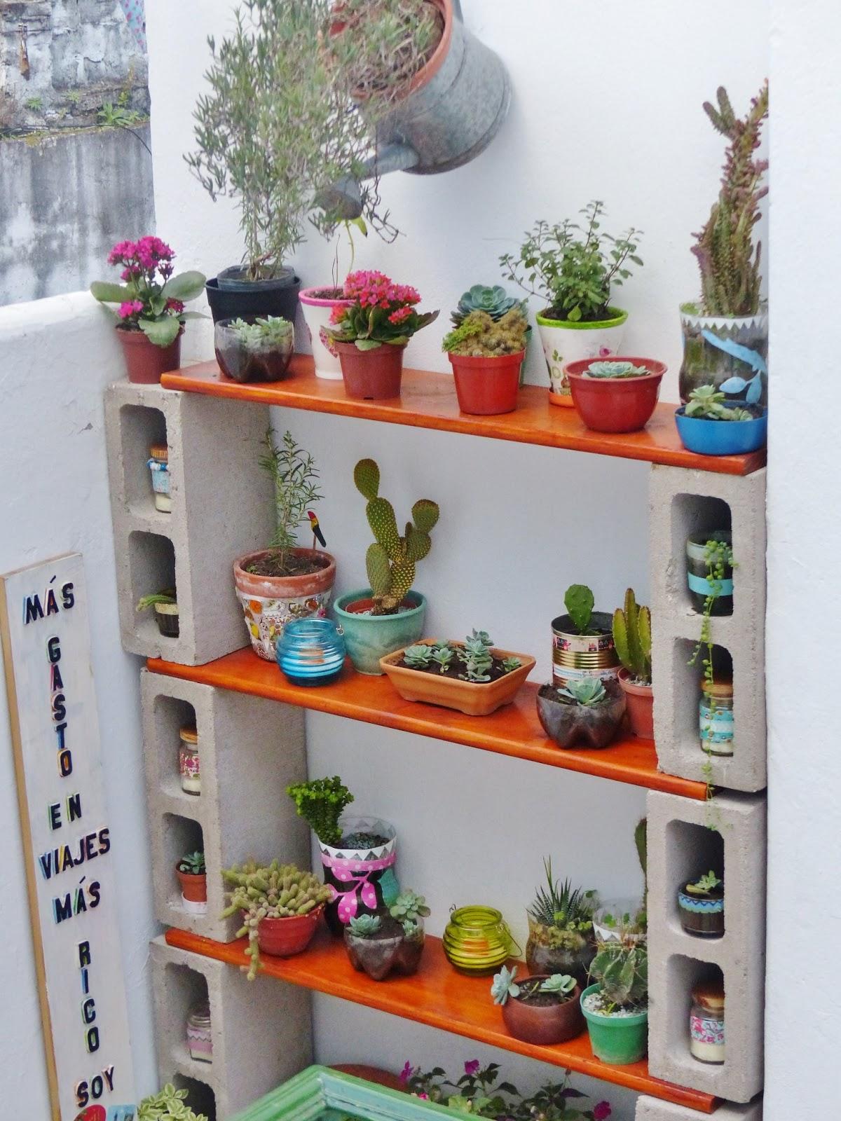 Con alma de valija reciclado para darle protagonismo a for Muebles para plantas