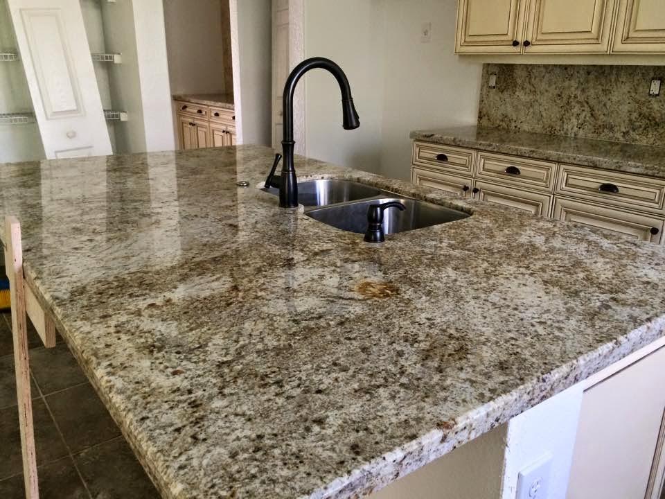Topes de cocinas en cuarzo y granito stone works marble for Granito vs marmol