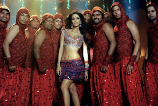 Mallika Sherawat Photos of Shalu Ke Thumke Song