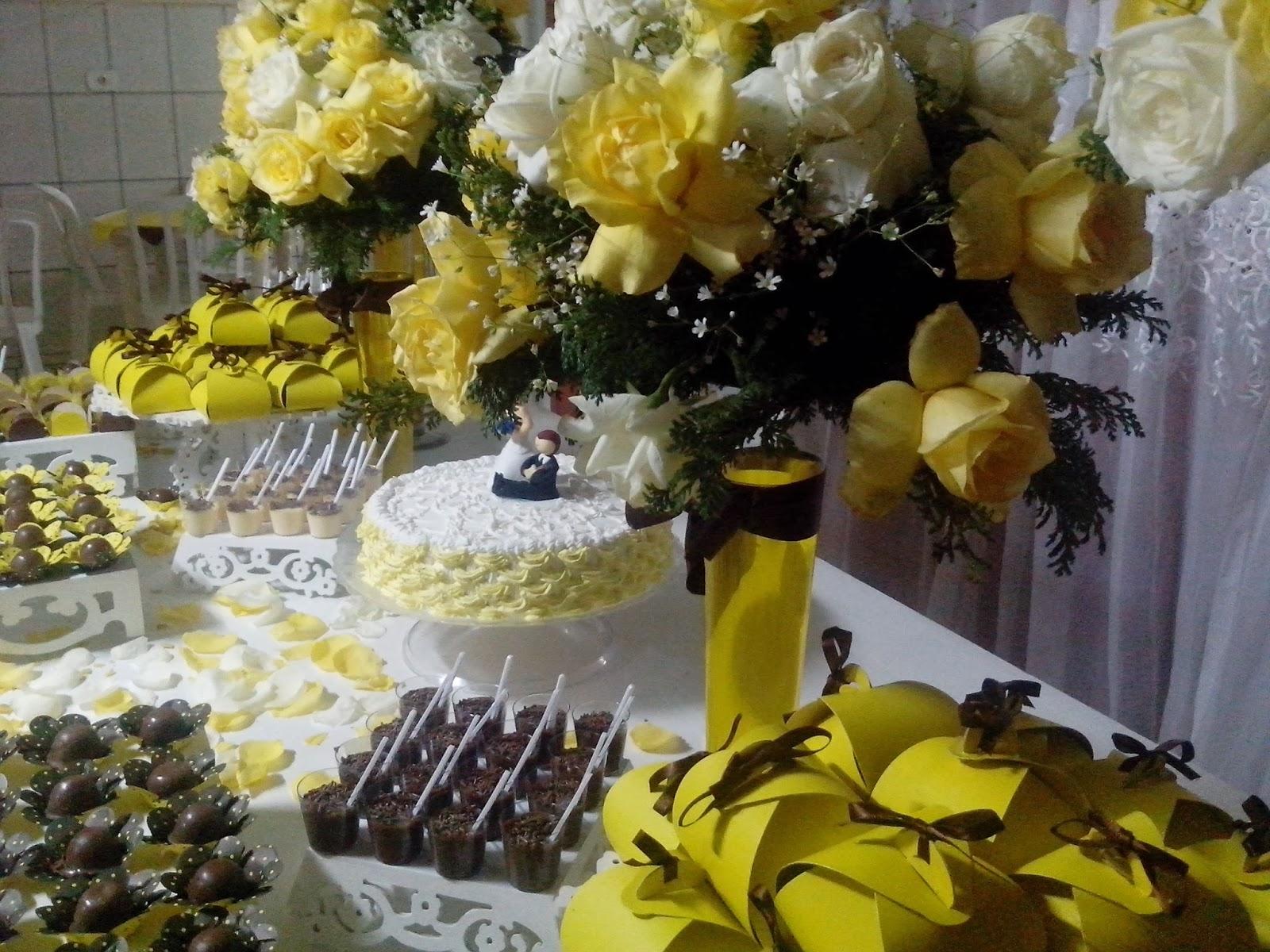 Casamento Feito em Casa Decoração de casamento amarelo e marrom