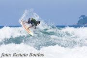 . fotógrafo Renato Boulos durante uma session na Praia Grande,Ubatuba.