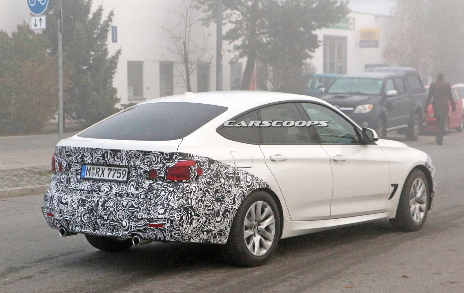 2017 bmw 3 series gt spied with a barely noticeable makeover carscoops. Black Bedroom Furniture Sets. Home Design Ideas