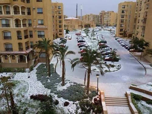 Turun Salju Di Arab