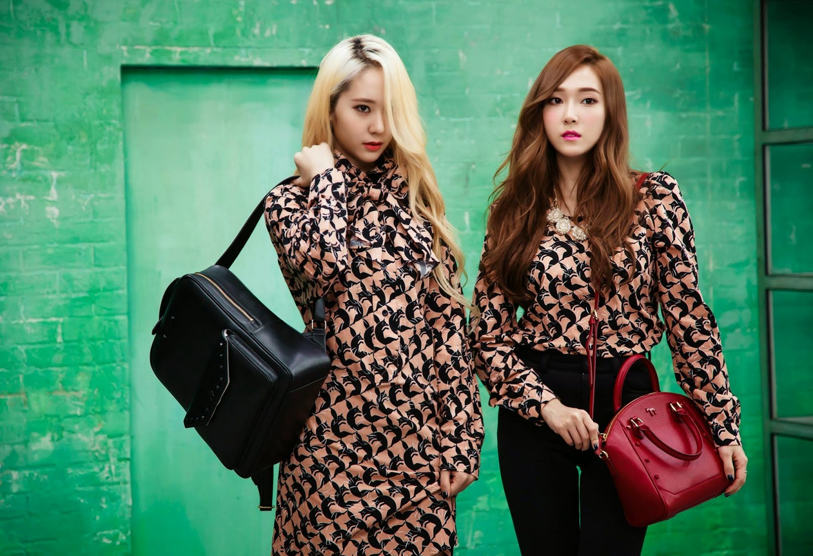 My SNSD: [PHOTOS] 140813 Jessica and Krystal for Lapalette F(x) Krystal And Jessica