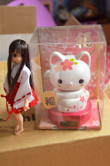 koron and maneki neko