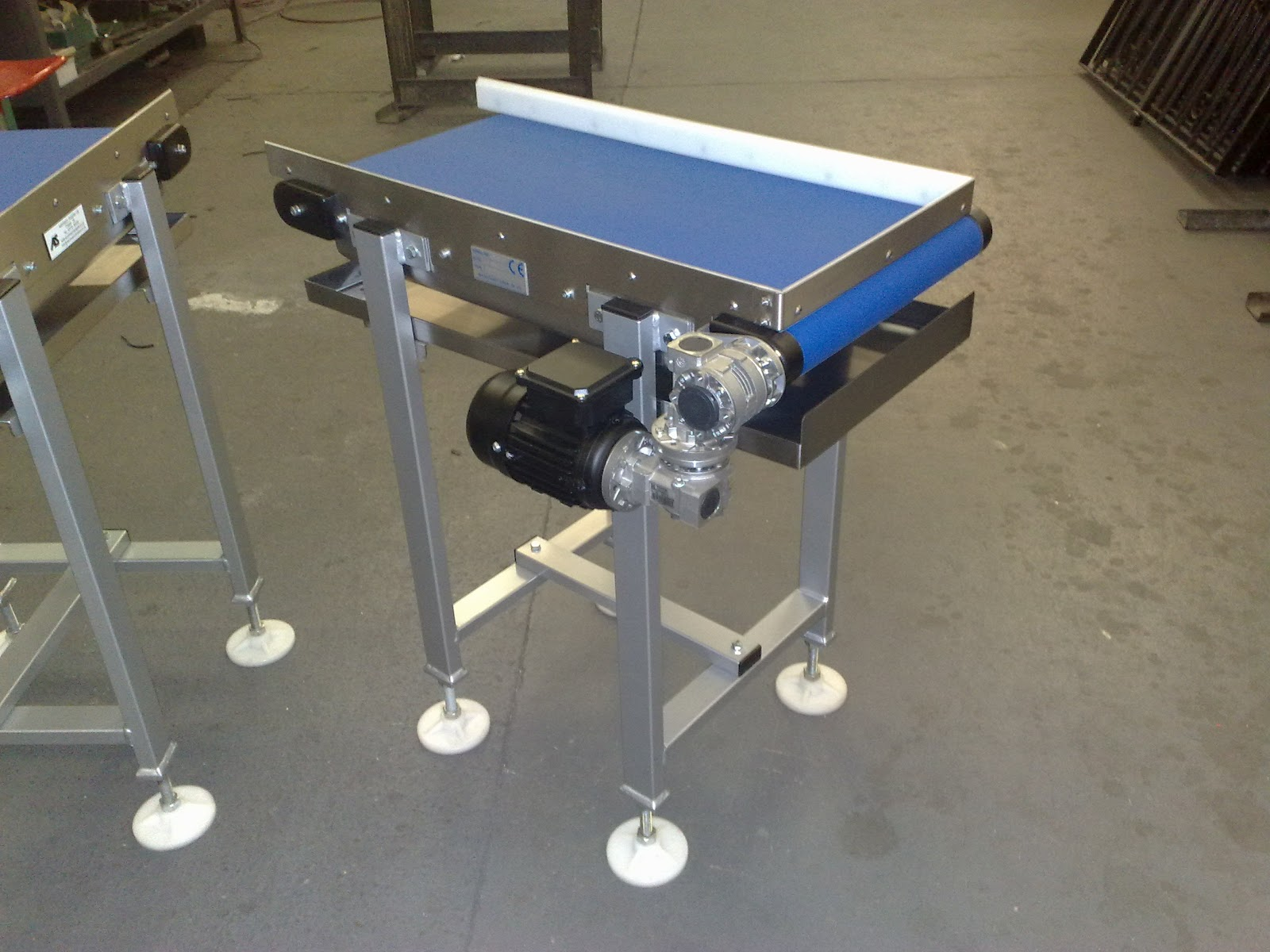Conveyor belt special design with drip tray conveyor Motorized conveyor belt
