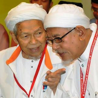 Tuan Guru Nik Abdul Aziz dan Tuan Guru Hj  Hadi Awang