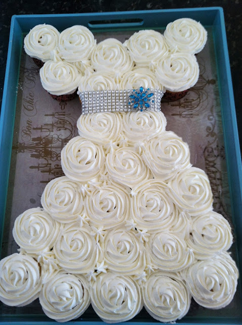 Tool shower wedding fun for a man purple chocolat home for Wedding dress cupcake cake