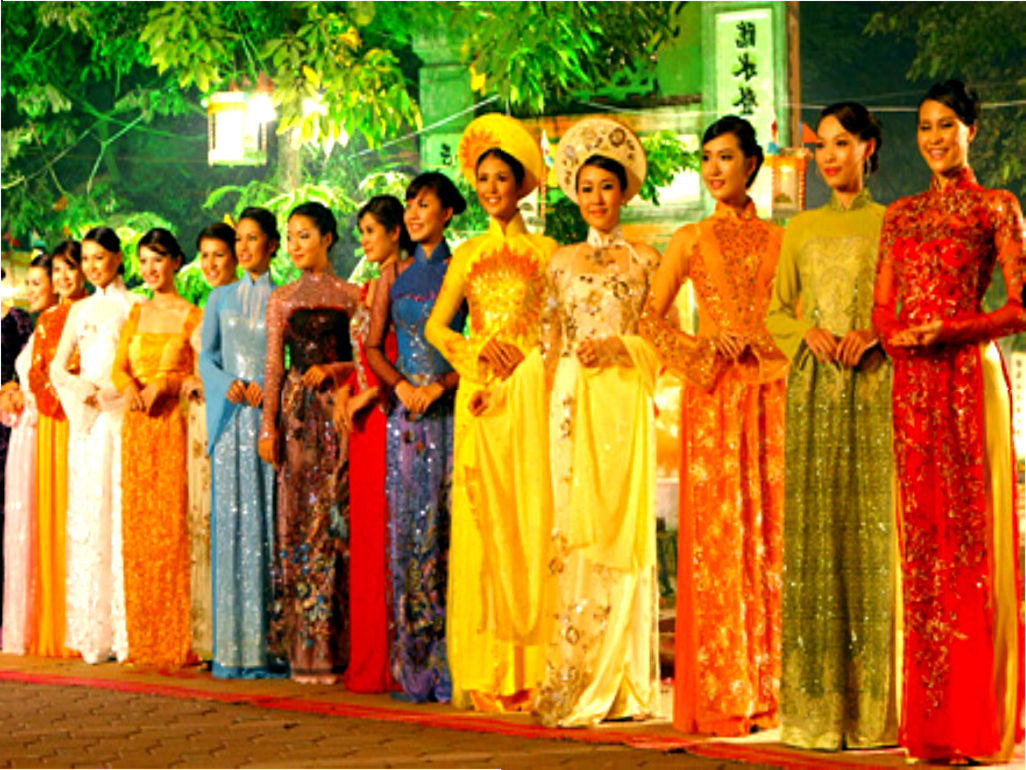 vietnamese ao dai Custom made vietnamese ao dai (áo dài) by mark&vy beautiful dresses for all occasions including wedding, prom or everyday wear made by some the best tailors in ho chi minh city (saigon), vietnam.