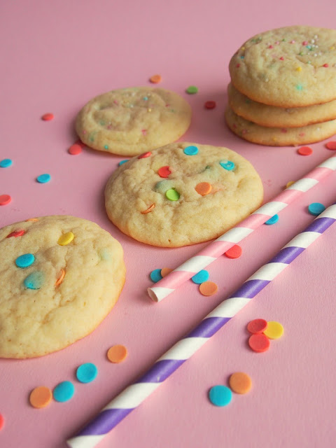 Funfetti Cookies – Värikkäät keksit