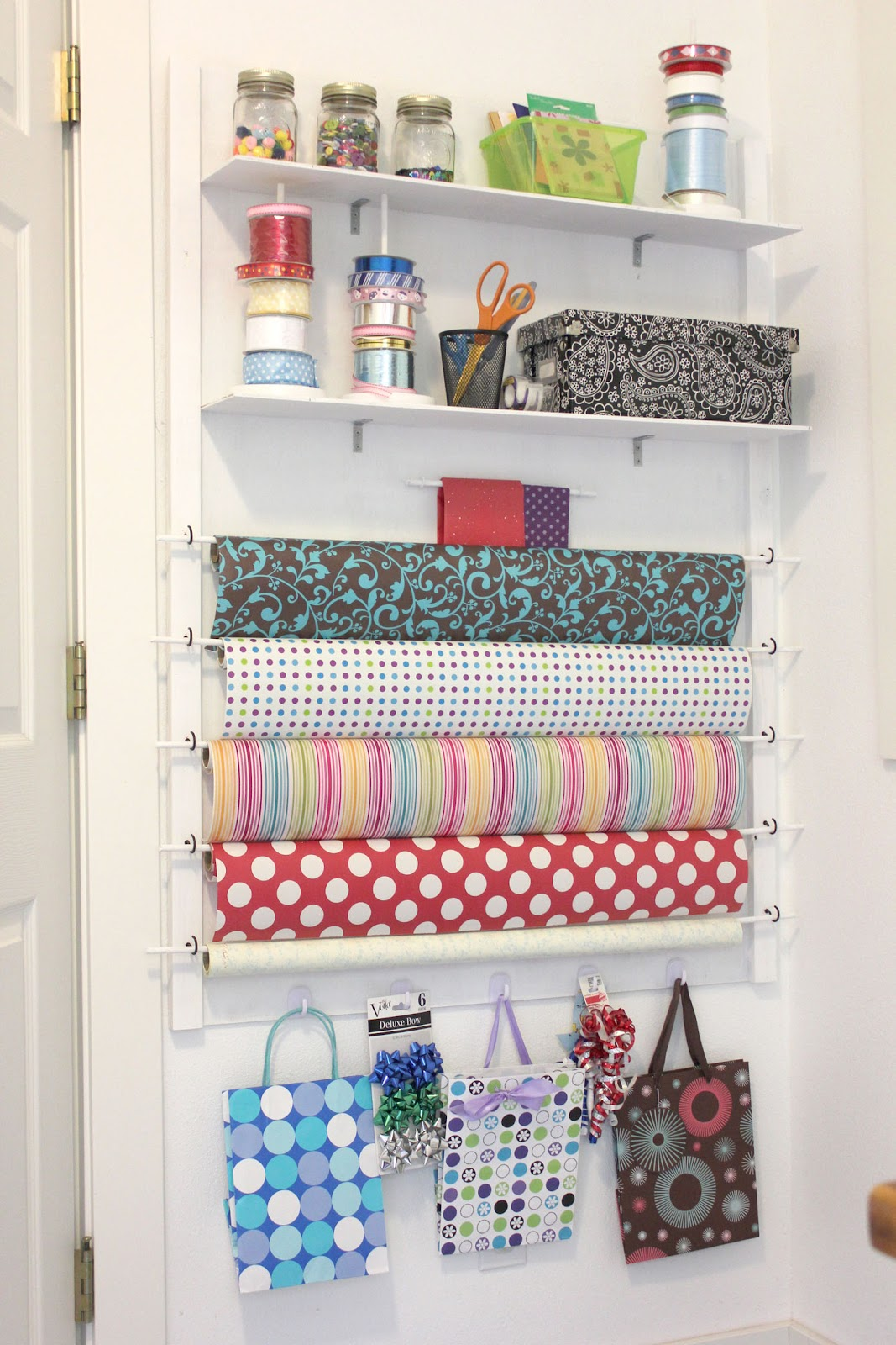 Repeat crafter me diy gift wrap station for Room wraps