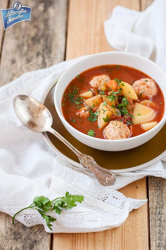 Zupa pomidorowa z pulpetami
