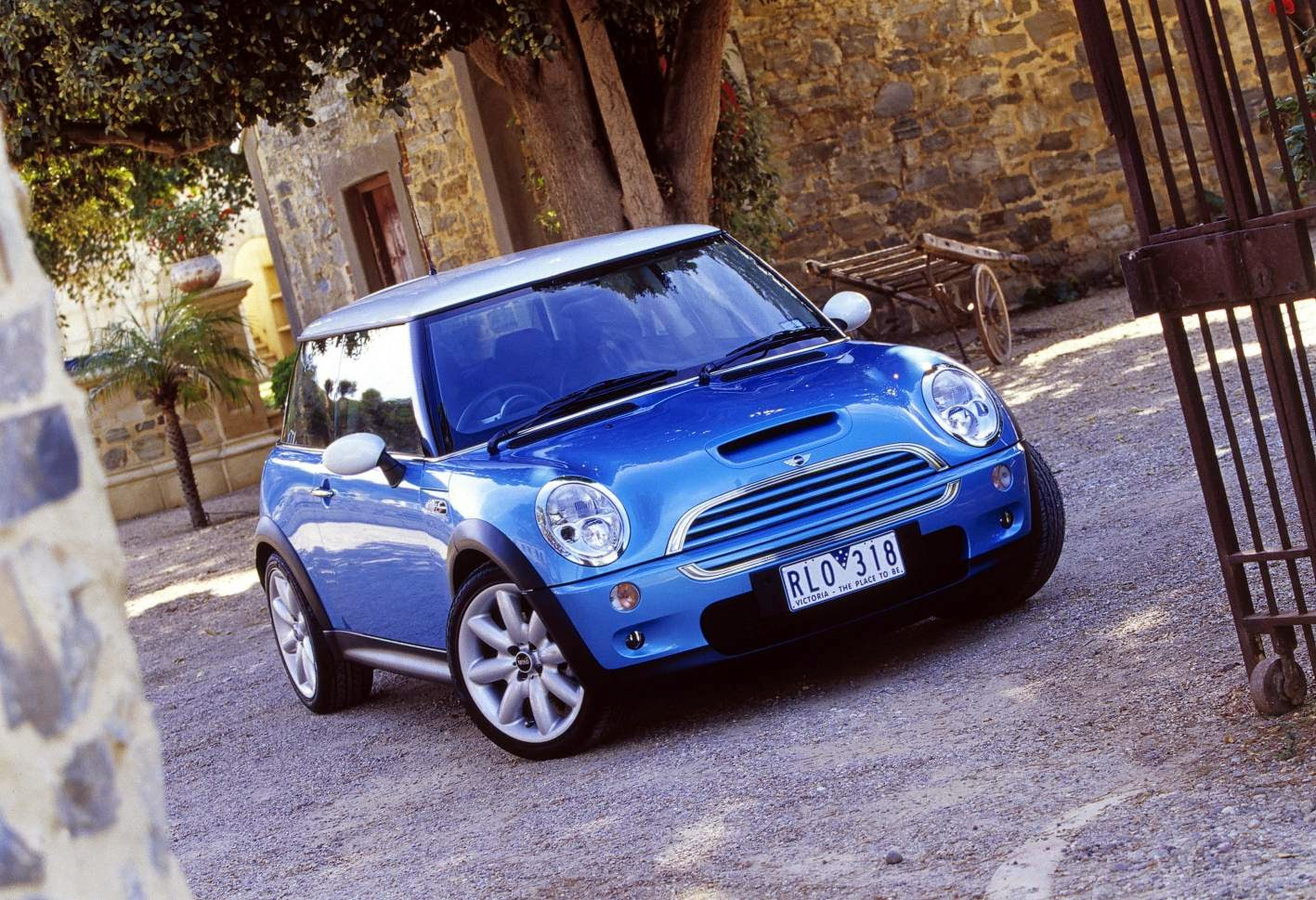 Mini Cooper S, still shot, blue and white is the best colour combo in my opinion
