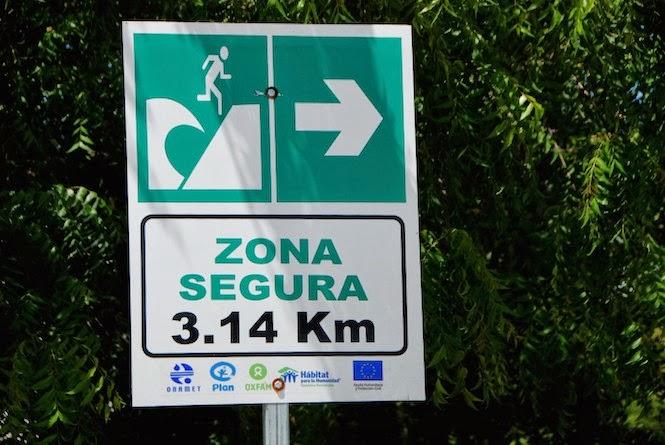 Palmar de Ocoa y Puerto Viejo, en esta provincia, ya cuentan con señales que indican la ruta de evacuación ante un tsunami, pero no son los primeros en el país.