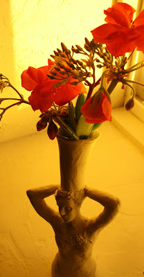 vase, still-life, sculpture, art, arte, artist, flowers, geraniums, jade-plant, clay, porcelain, woman, S. Myers, Sarah Myers, bouquet