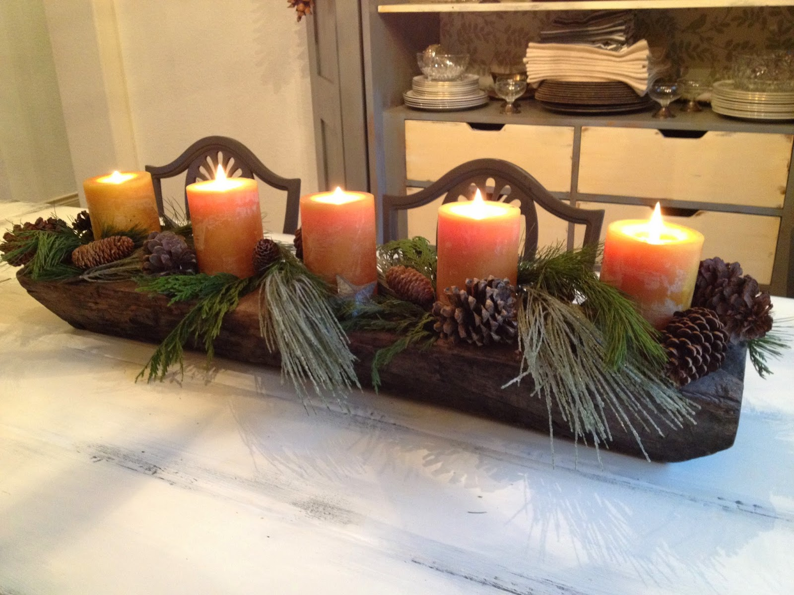 Christmas dining room centerpiece idea