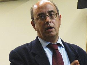 """Azeredo considera """"fracas"""" as recomendações do grupo de trabalho sobre serviço público"""