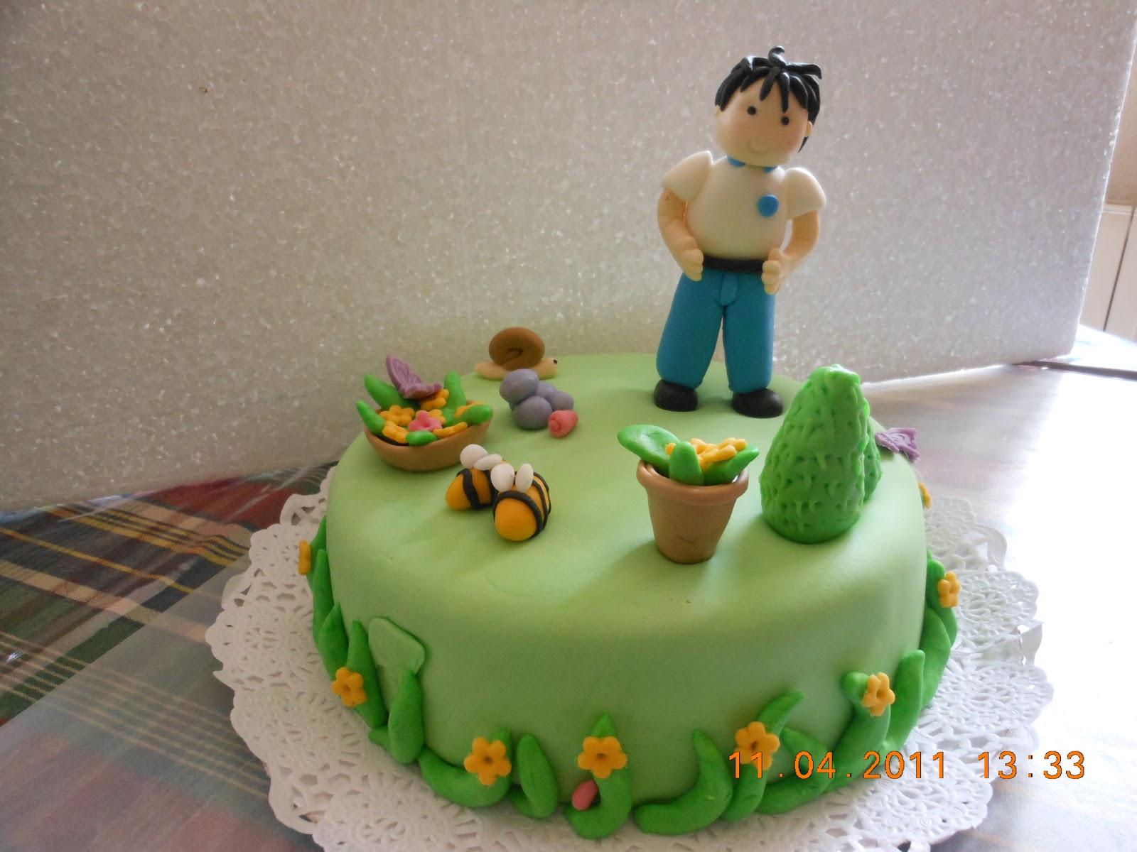 Ana y sus caprichos tarta para un jardinero for Se necesita jardinero