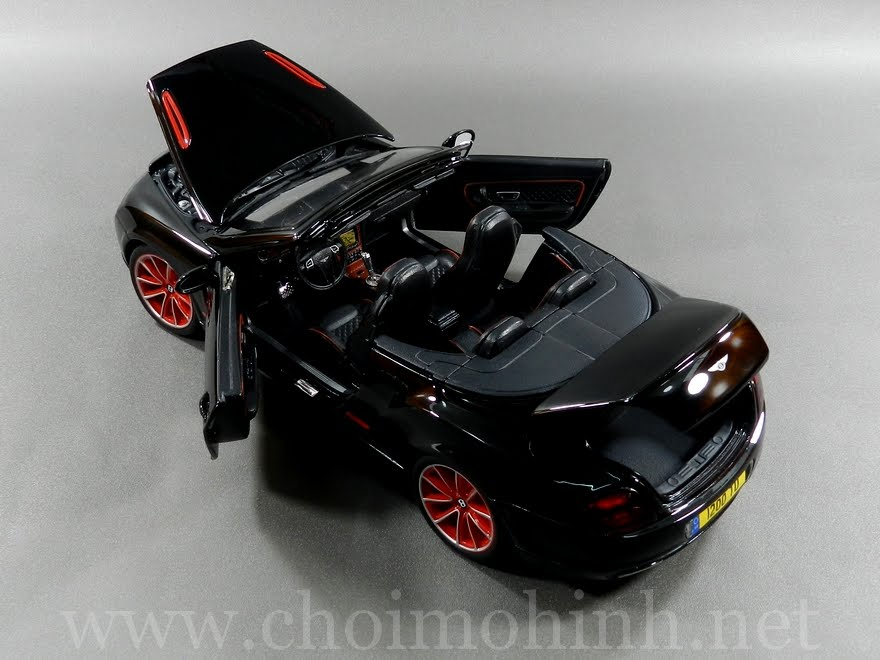 Bentley Continental Supersports Convertible ISR 1:18 bBurago door