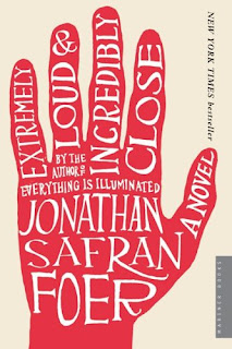 Book cover of Extremely Loud and Incredibly Close by Johathan Safron Foer