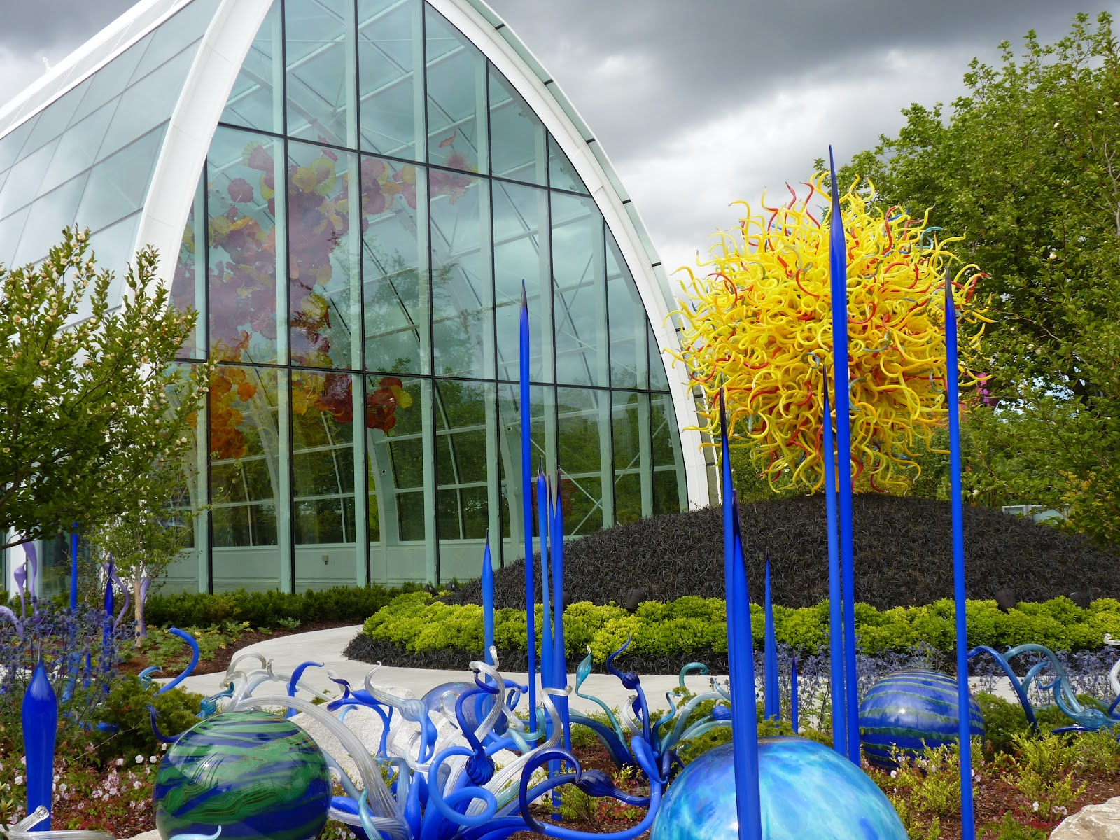 Searching For Bright Light Chihuly Garden And Glass New