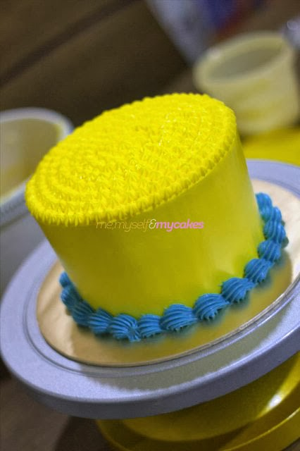 Myself and My Cakes - Cake And Pastry Online Shop: MINION RAINBOW CAKE ...