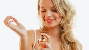 beberapa Manfaat Memakai Parfum Di Tubuh