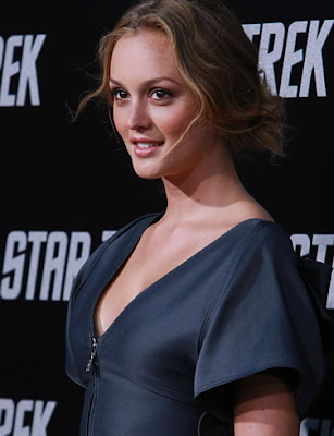 Actress Leighton Meester Looking Glamorous