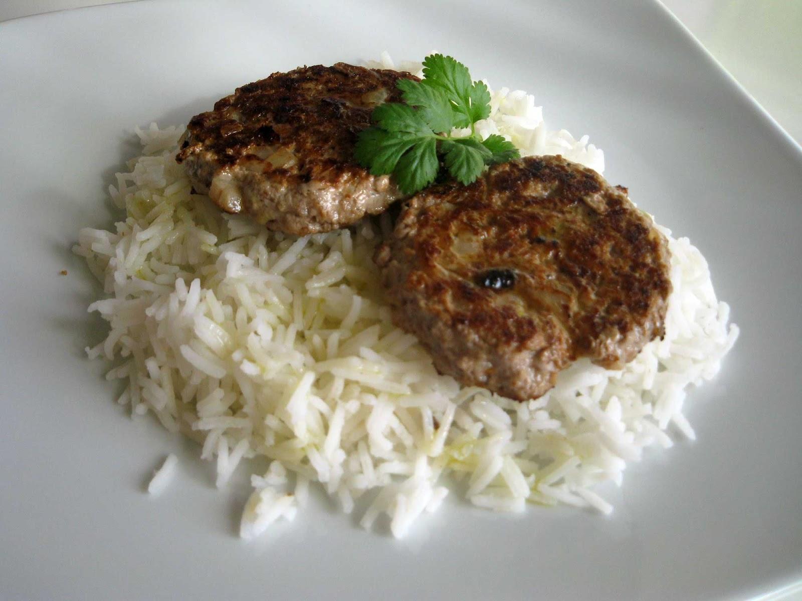 Rico y rico hamburguesas tailandesas con arroz basmati - Hamburguesas vegetarianas caseras ...