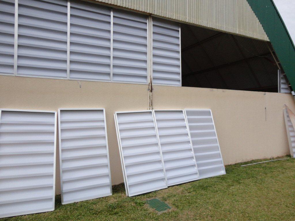#4E5B30  pré prontos e com sua equipe voce monta na parede de seu barracão 616 Janelas Esquadrias De Aluminio Curitiba