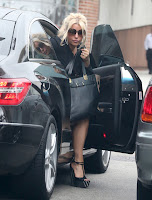 Jessica Simpson getting out of her car