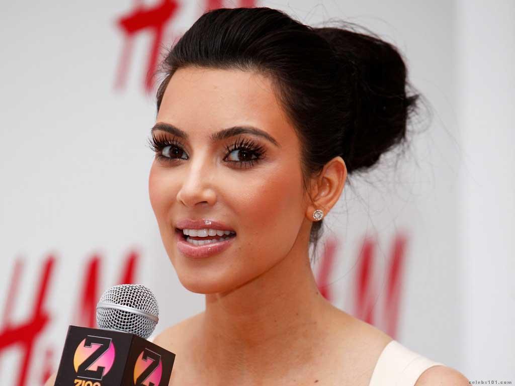 http://2.bp.blogspot.com/-tXx8zm8fjOY/TcFjJK3yr6I/AAAAAAAAOv8/cp8_afg6Ukc/s1600/kim-kardashian-wallpaper-hd%252525252B%2525252525283%252525252529.jpg