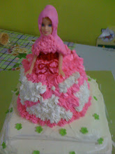 Barbie Cake With Cheese topping