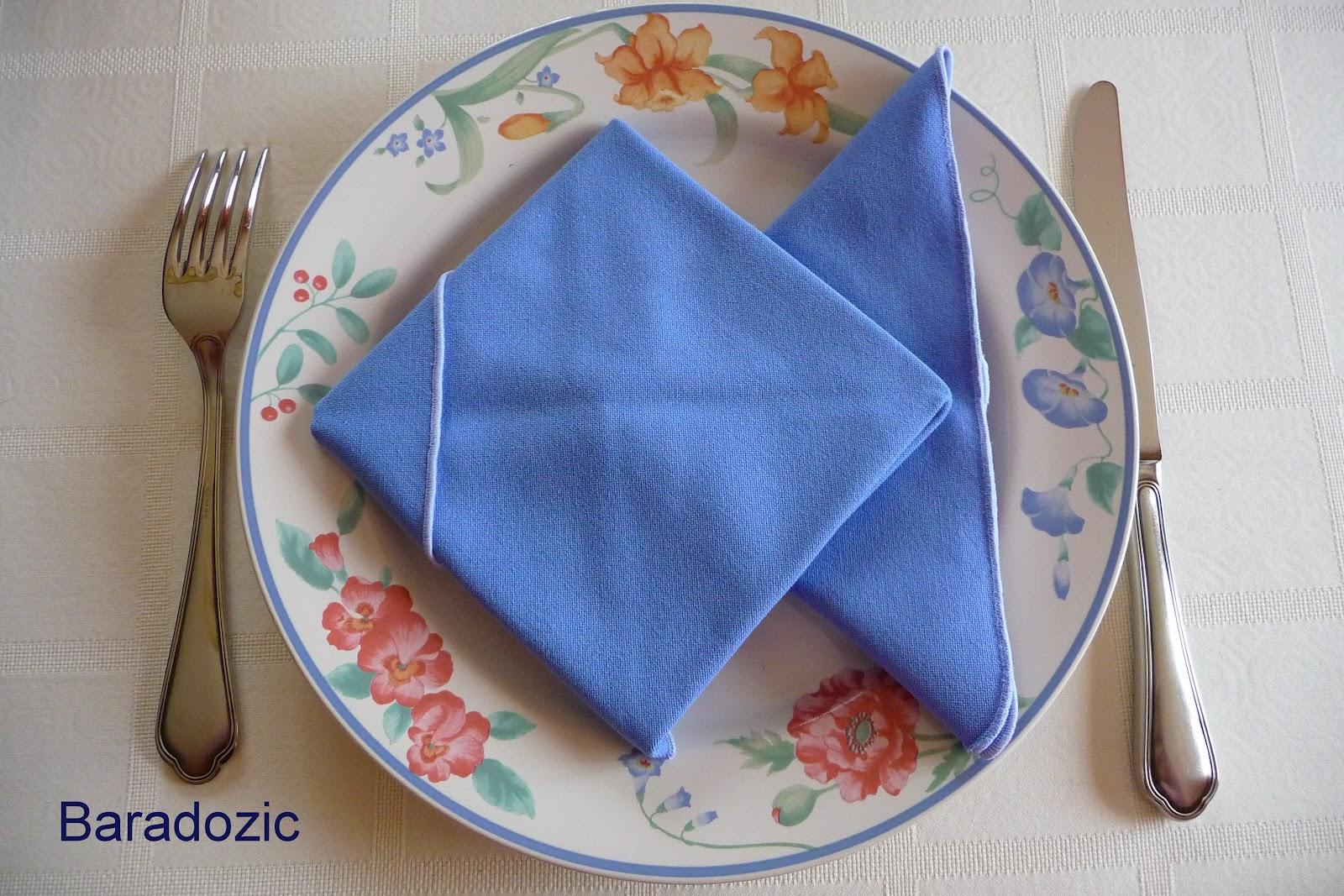 Plier les serviettes en poisson les d lices de baradozic - Plier des serviettes ...